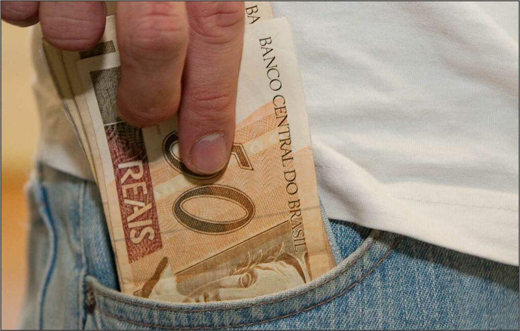 dinheiro-no-bolso